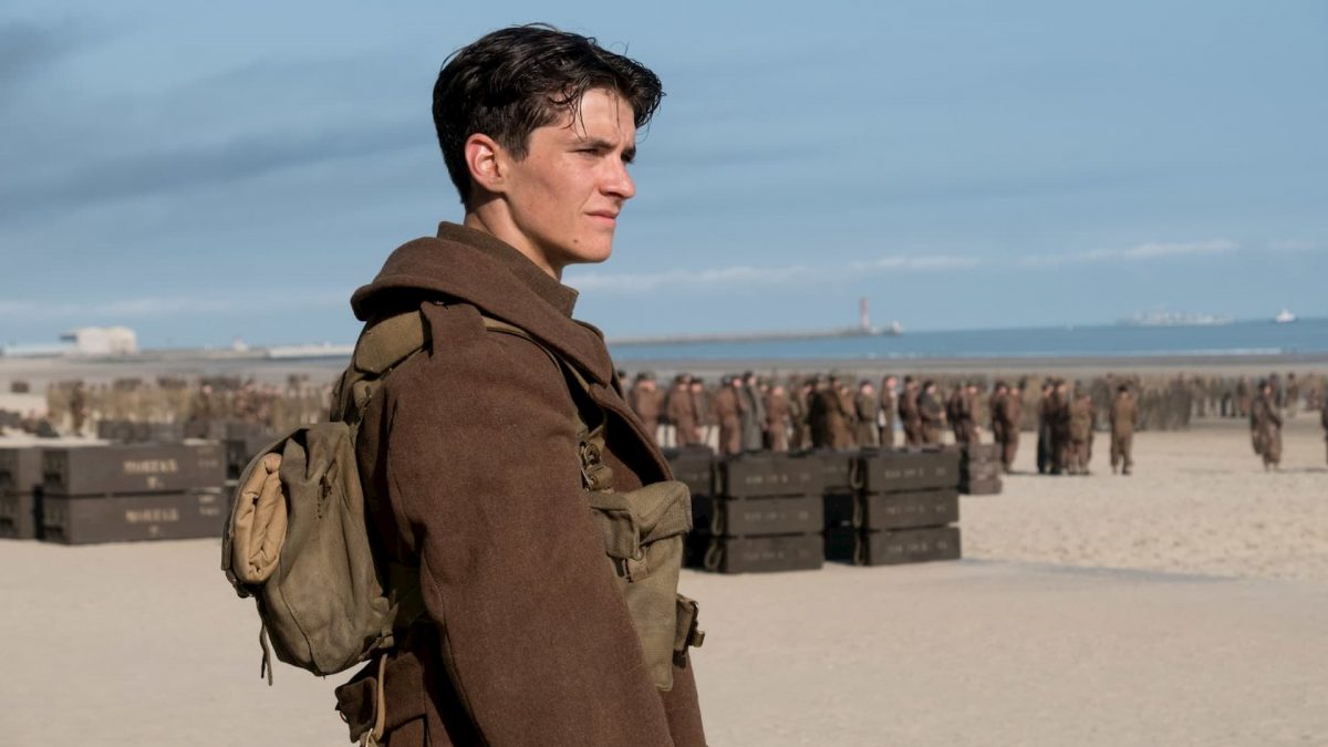 Dunkirk (Christopher Nolan, 2017), Warner Bros., UK / USA / France, 35 mm / 70 mm, colour, sound, 106 minutes, Tommy (Fionn Whitehead)